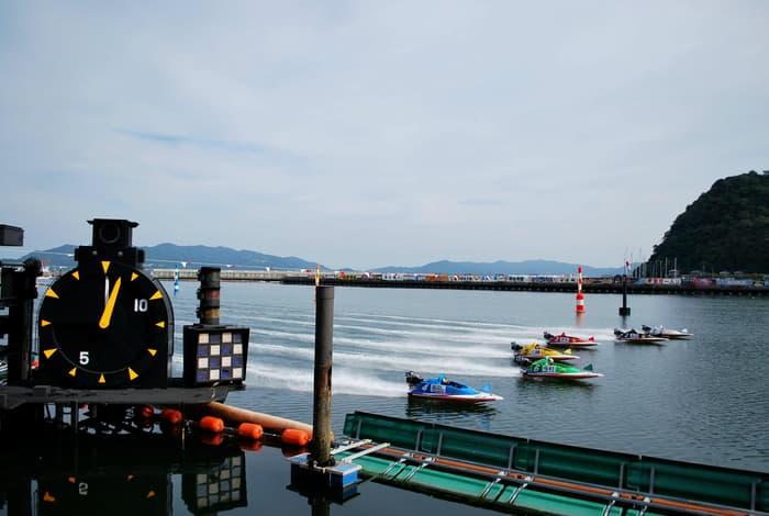 徳山競艇場でのモーニングレースの画像||競艇予想サイト 口コミ 評価 評判 検証 当たる 当たらない