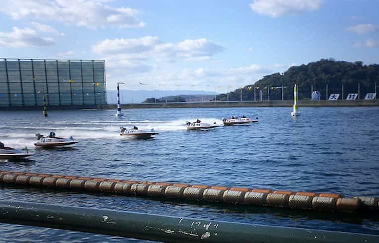 大村競艇場の写真||競艇予想サイト 口コミ 評価 評判 検証 当たる 当たらない