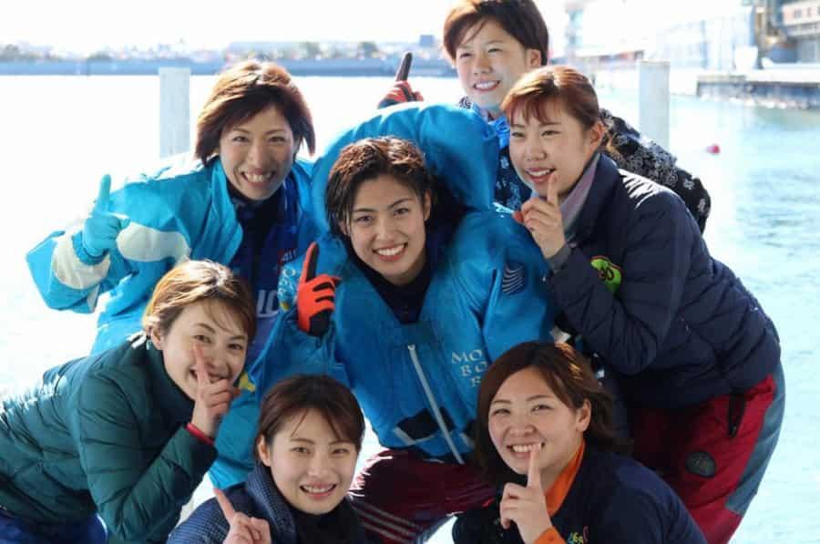 競艇女子レーサーの集合写真  競艇予想サイト 口コミ 評価 評判 検証 当たる 当たらない