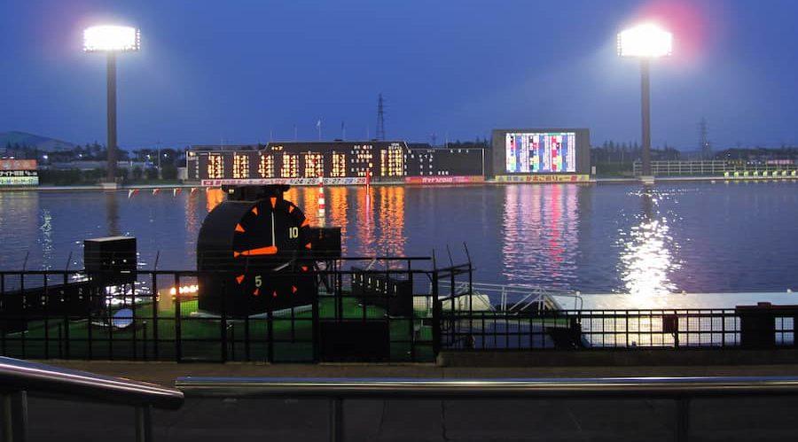 夜の競艇場の画像||競艇予想サイト 口コミ 評価 評判 検証 当たる 当たらない