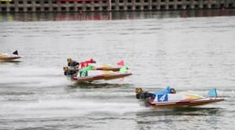 競艇のレースの瞬間の画像  競艇予想サイト 口コミ 評価 評判 検証 当たる 当たらない